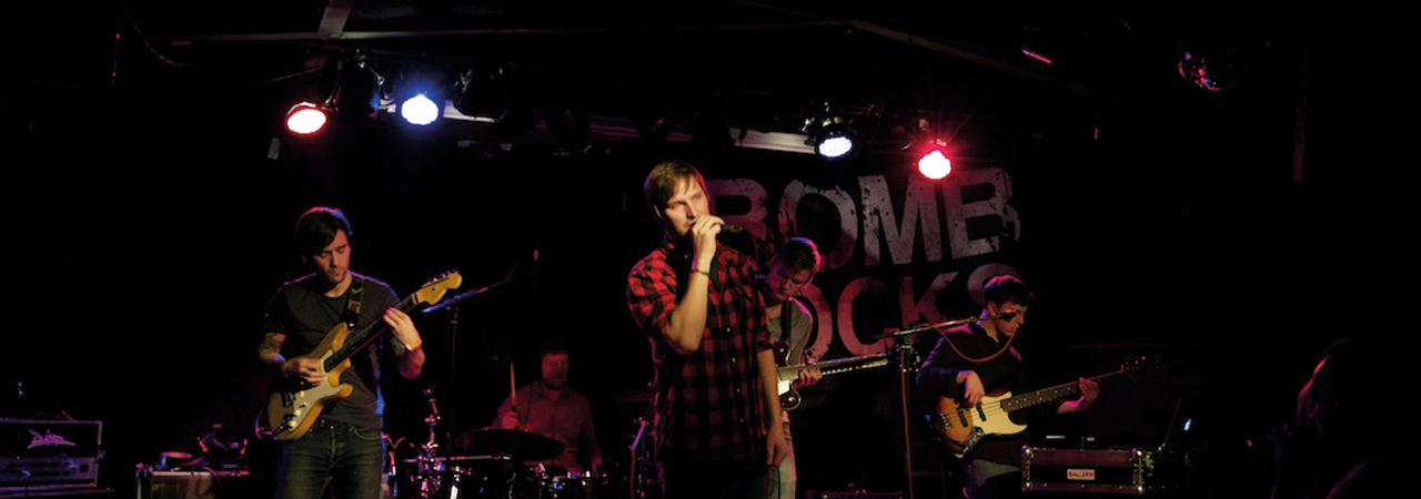 Bomb Rocks in Konzert